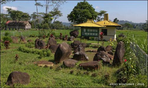 Situs Watu Kandang Hidden Village Kab Karanganyar