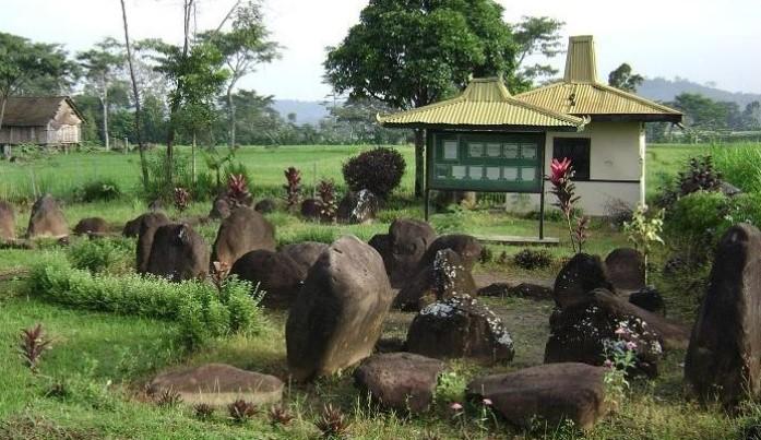 Situs Watu Kandang Matesih Peradaban Lampau Info Karanganyar Dekat Solo