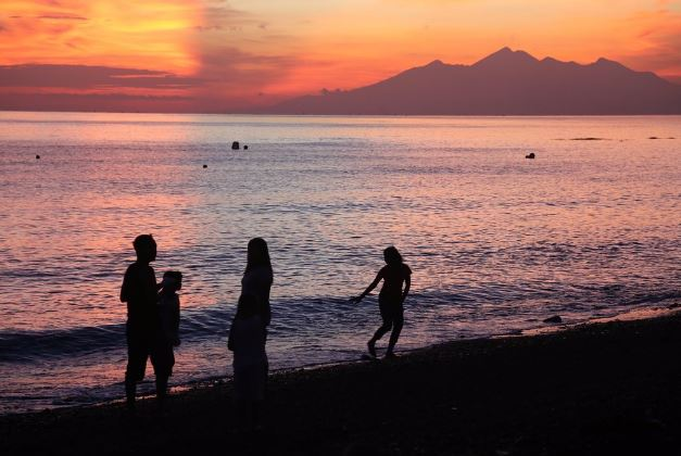 Empat Objek Wisata Pantai Bali Terbaik Karangasem Snorkeling Scuba Diving