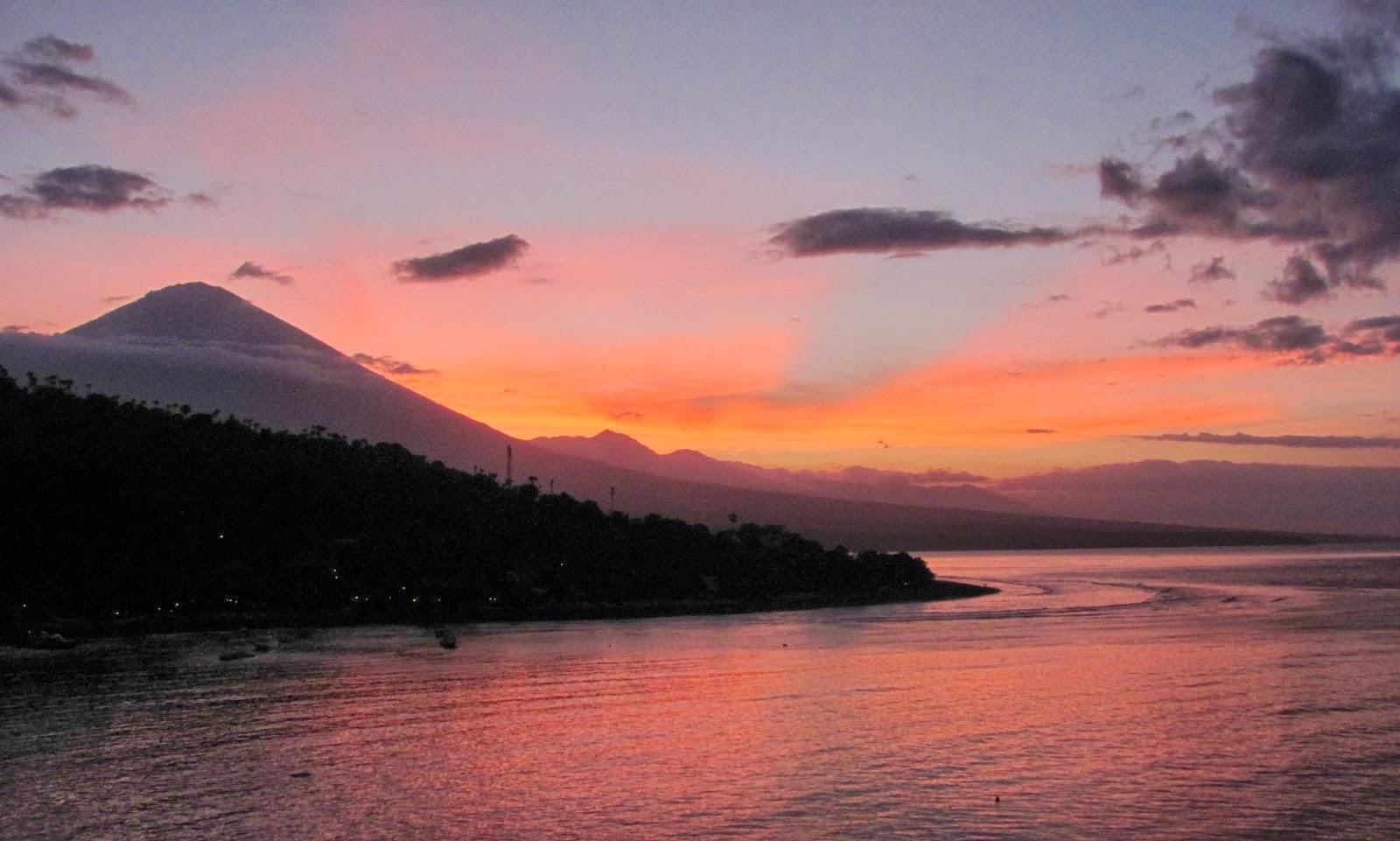 Hack Brains Pantai Amed Karangasem Bali Sunset Gunung Agung Sunrise