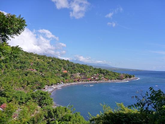 Pantai Amed Dua Keindahan Alam Satu Lokasi Wisata Bali Jemeluk