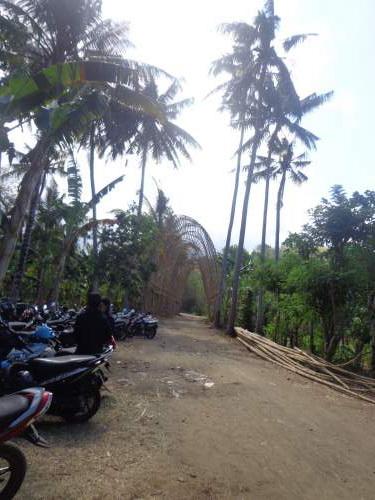 Objek Wisata Rumah Bambu Kabupaten Karangasem Bali Mentari Pemandangan Sepanjang