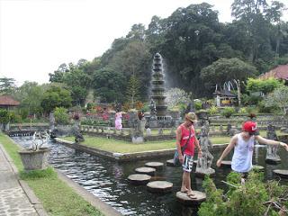 Tempat Wisata 8 Kecamatan Kabupaten Karangasem Bali Taman Tirta Gangga