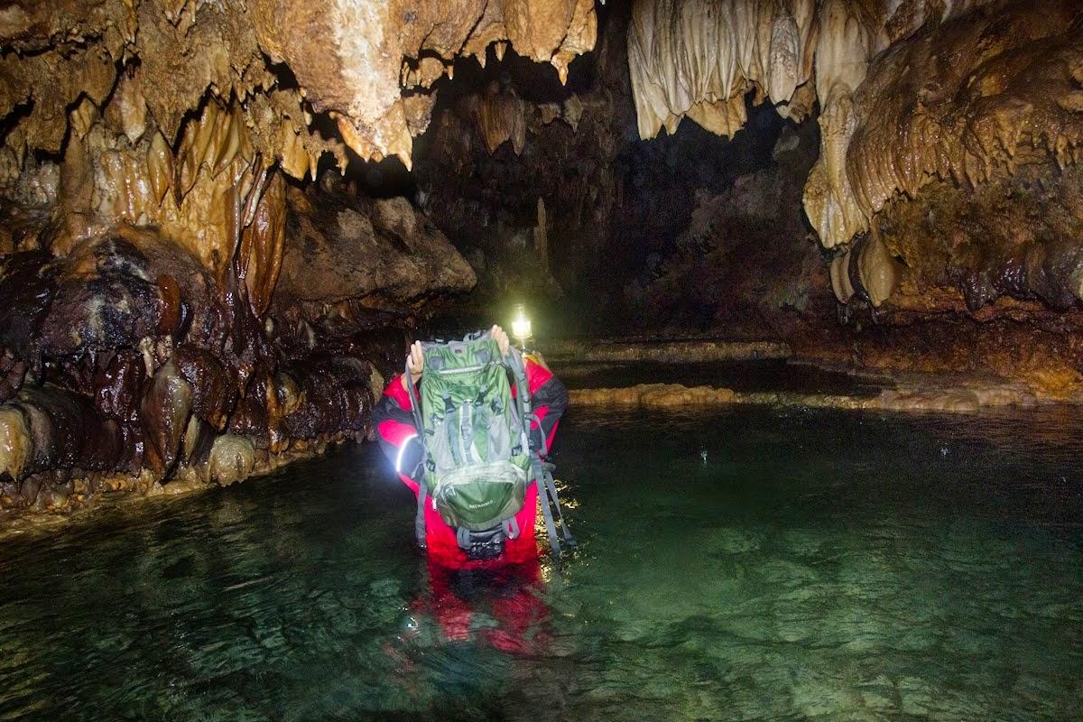 11 Tempat Wisata Kebumen Wajib Kunjungi Gua Barat Arung Jeram