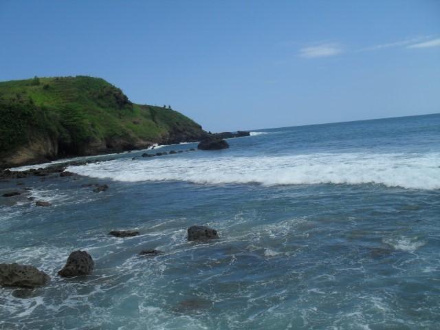 12 Tempat Wisata Kebumen Menarik Dikunjungi Pantai Ayah Salah Satu