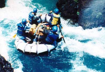 Ratri Atmoko Arung Jeram Tiga Sungai Palapsi Ugm Padegolan Kab