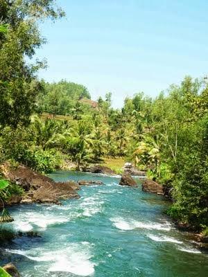 Wisata Arung Jeram Padegolan Kebumen Wisatakebumensite Karakteristik Pingiran Sungai Dihiasi