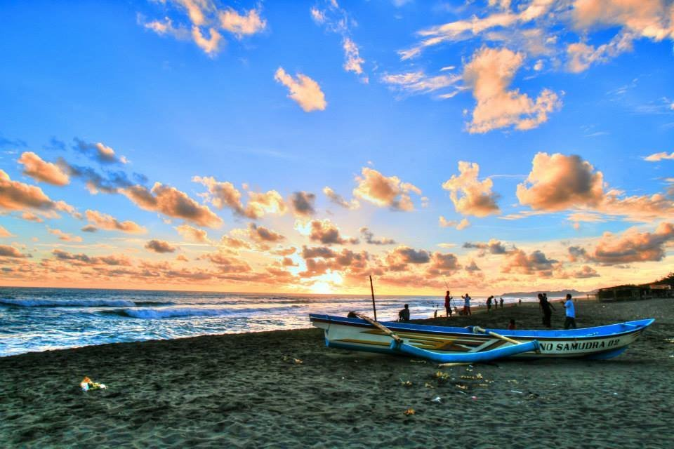 Wisata Kebumen Kaskus Sunset Dipantai Petanahan Arung Jeram Padegolan Kab