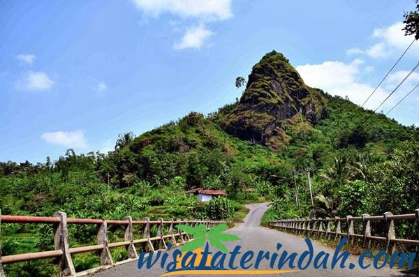 Melihat Keindahan Kebumen Atas Gunung Pranji Tempat Wisata Jawa Tengah