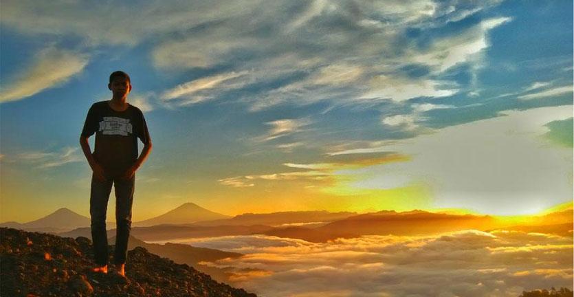 Memburu Fajar Puncak Bukit Pranji Kebumen Reservasi Travel Blog Langit