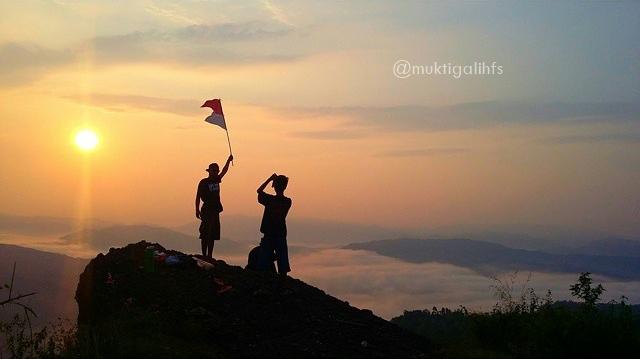 Nikmati Keindahan Kebumen Lima Bukit Lintas Pemandangan Pagi Pranji Langit