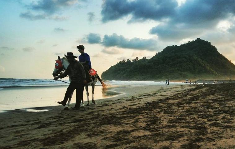 14 Tempat Wisata Hits Kebumen Rekomended Dikunjungi Gading Splash Water