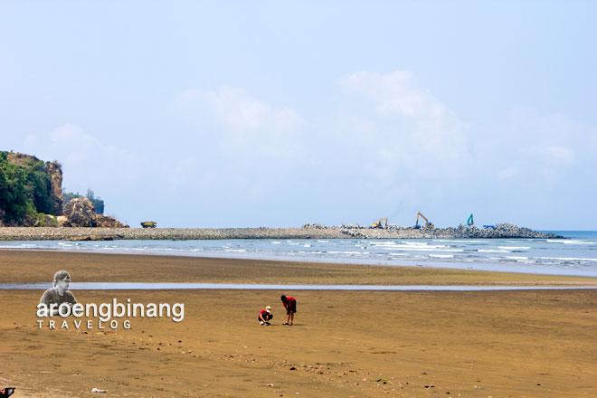 Aroengbinang Pantai Logending Kebumen Gading Splash Water Kab