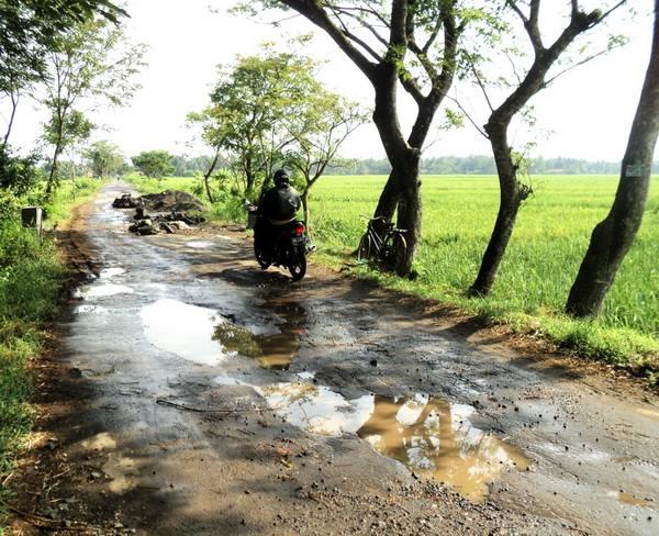 Kabupaten Kebumen Lintas Jalan Rusak Photo Krjogja Gading Splash Water