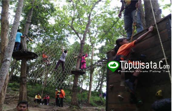 Jemur Adventure Park Wisata Outbond Murah Terlengkap Kebumen Wall Climbing
