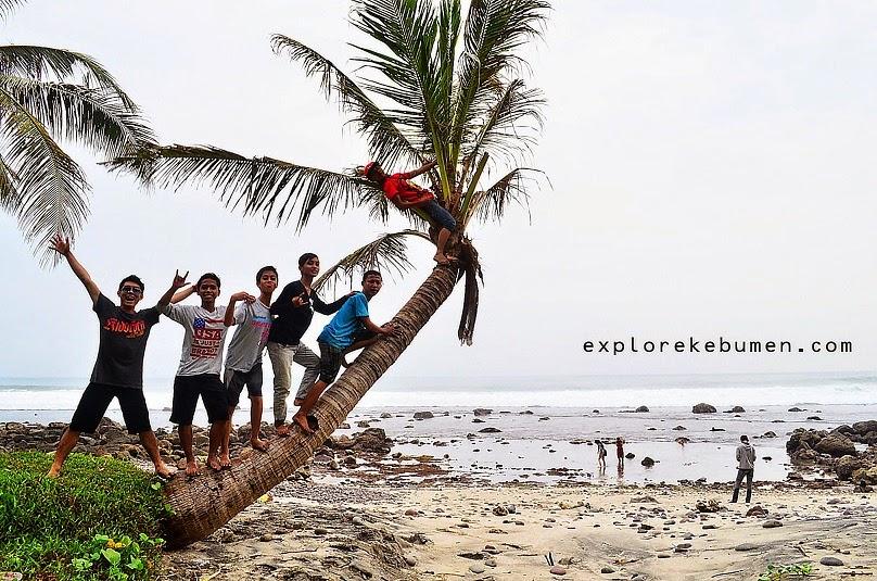 Inilah 10 Pantai Tersembunyi Kebumen Perlu Kamu Kunjungi Menganti Bocor