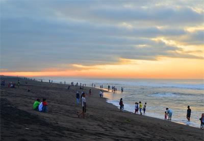 Pantai Bocor Kebumen Harga Murah Suasana Meriah Zona Libur Kab