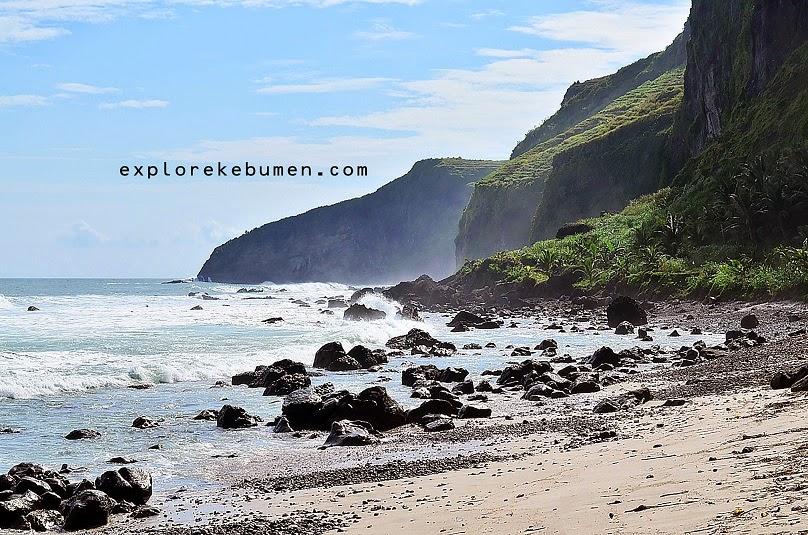 Pantai Menganti Kebumen Penuh Kejutan Alam Explore Bocor Kab