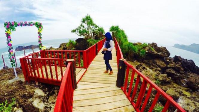 Pantai Menganti Kebumen Surga Dunia Jawa Tengah Viva Image Title