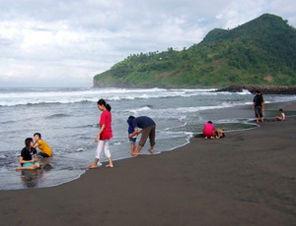 Pantai Suwuk Keindahan Alam Kabupaten Kebumen Bocor Kab