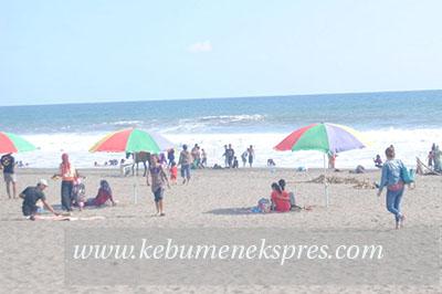 Warga Purbalingga Digulung Ombak Pantai Bocor Kebumen Kab