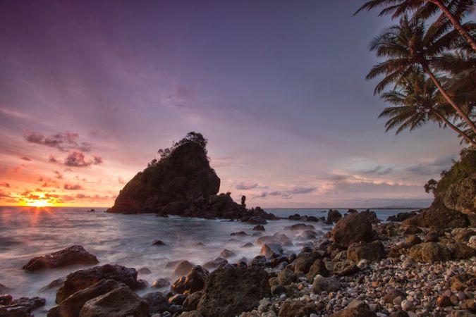 18 Tempat Wisata Kebumen Bisa Kamu Agendakan Buat Disambangi Pantai