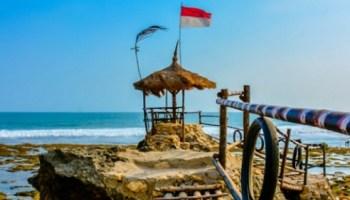 Lokasi Wisata Pantai Menganti Spot Jembatan Merah Gebyuran Harga Tiket