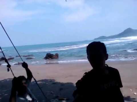 Pantai Tersembunyi Gebyuran Desa Pasir Kec Ayah Kebumen Kab