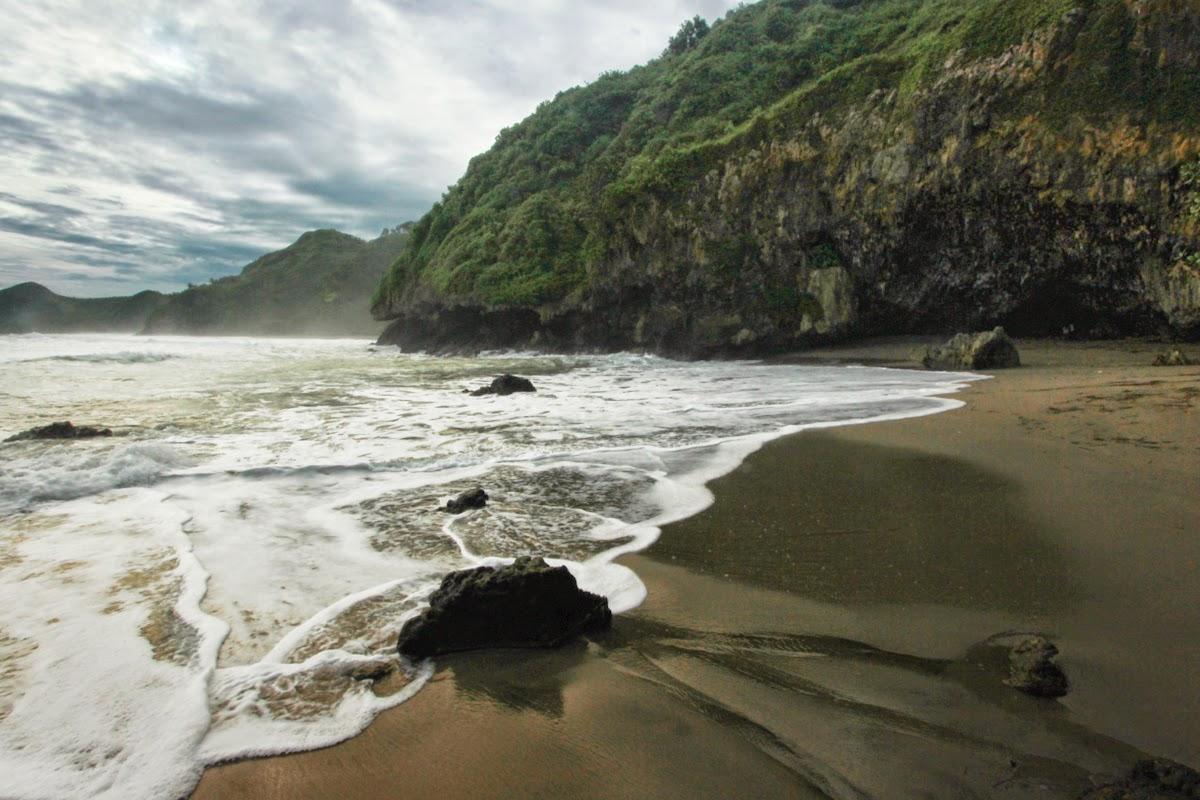 Pelesir Pantai Desa Pasir Diaspora Iqbal Karang Penganten Menawarkan Petualangan