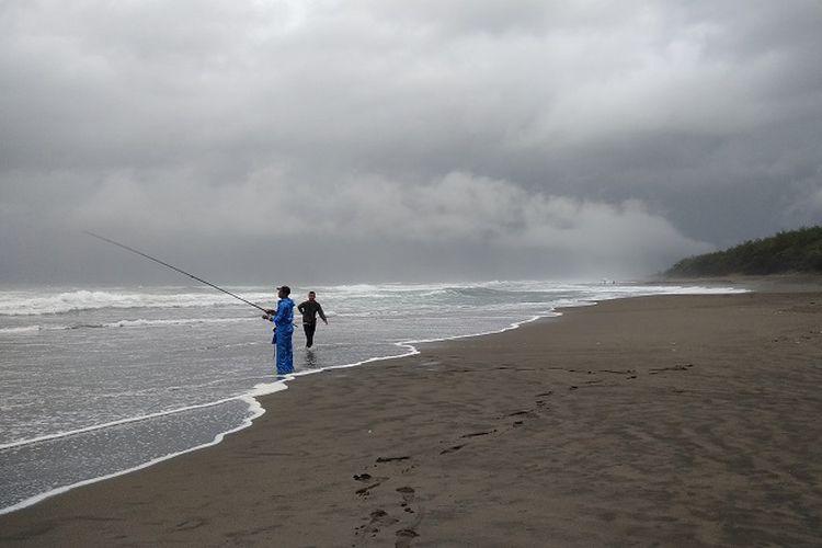 Suka Wisata Pantai Coba Liburan Kebumen Halaman Kompas Pemancing Lokal