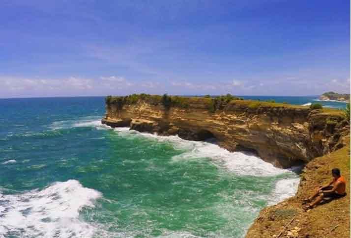 Tempat Wisata Kebumen Terbaru 2018 17 Menarik Pantai Karang Bolong