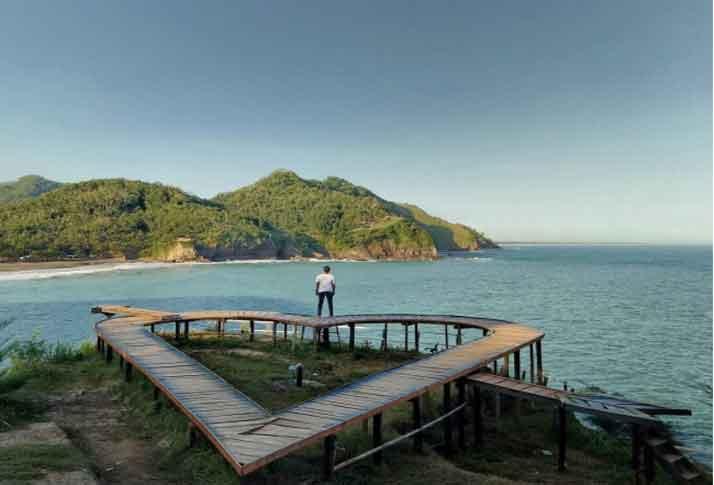 Tempat Wisata Kebumen Terbaru 2018 17 Menarik Pantai Lampon Gebyuran