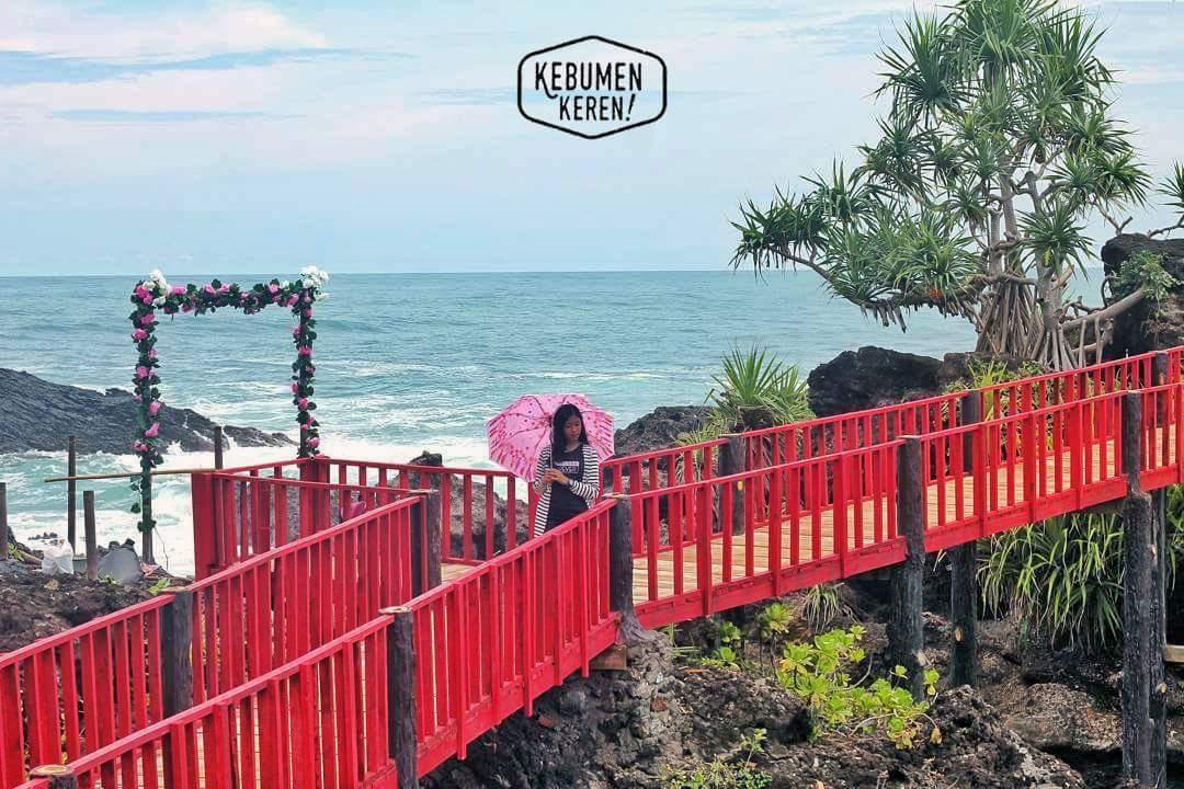 Wisata Pantai Menganti Jembatan Merah Gebyuran Kebumen Sinar Kab