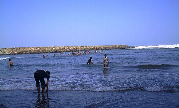 Biaya Tiket Masuk Pantai Karang Bolong Kebumen Misteri Asal Usul
