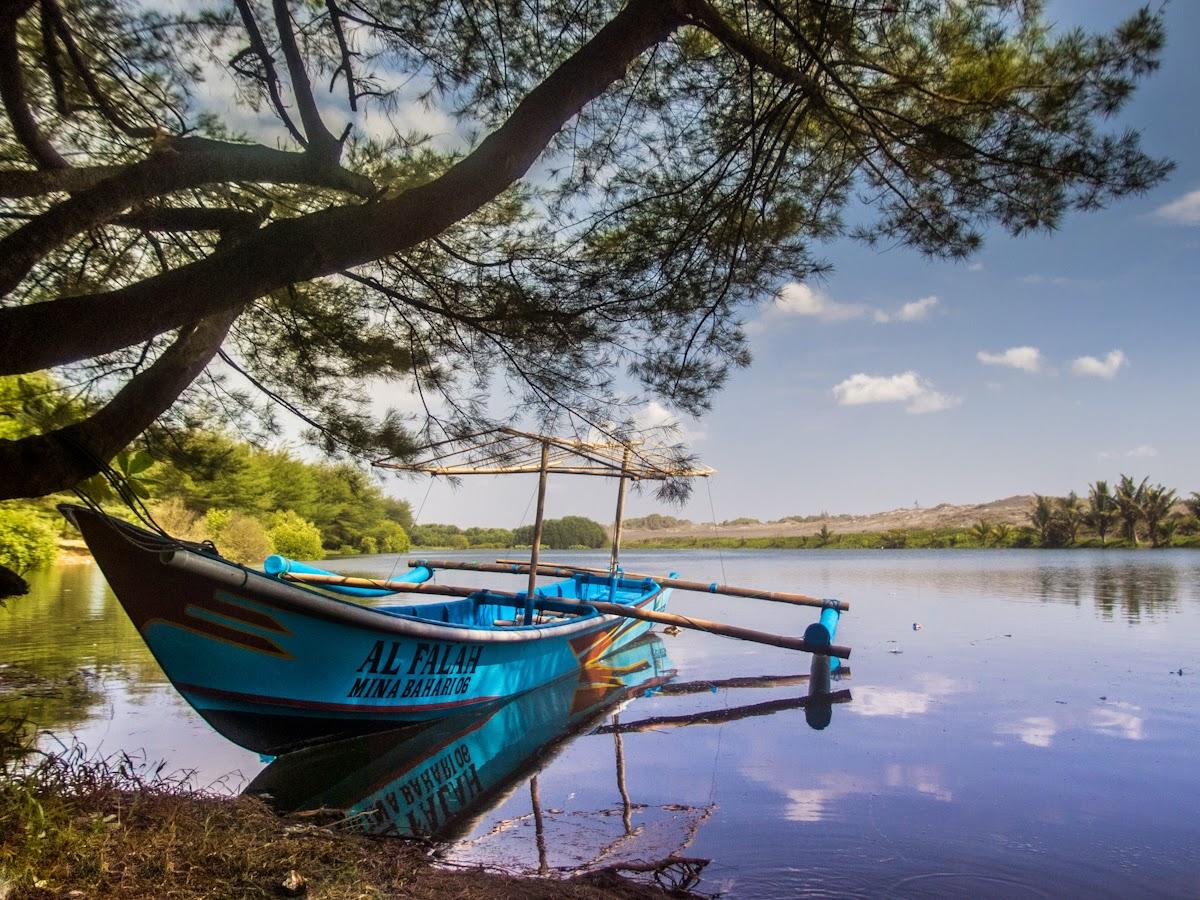 Hikayat Gumuk Pasir Laguna Pantai Lembupurwo Diaspora Iqbal Perahu Digunakan