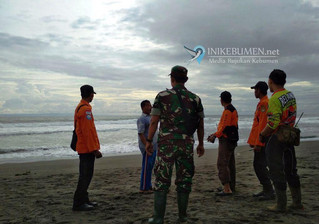 Pelajar Smpn 2 Prembun Hilang Diseret Ombak Pantai Lembupurwo Kab