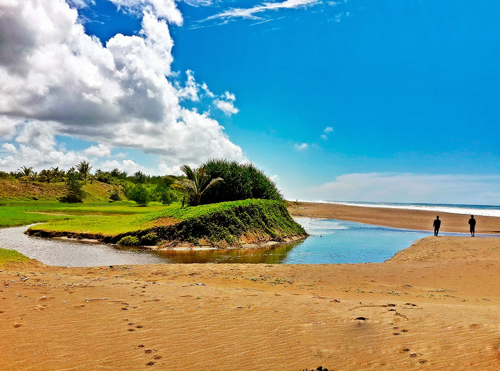 Pesona Wisata Bahari Kebumen Pantai Bopong Hobi Kita Terletak Desa