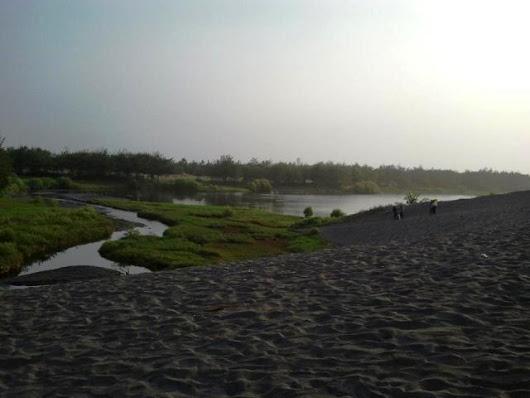 Walet Muda Kebumen Google Pantai Lembupurwo Dua Nuansa Penuh Pesona