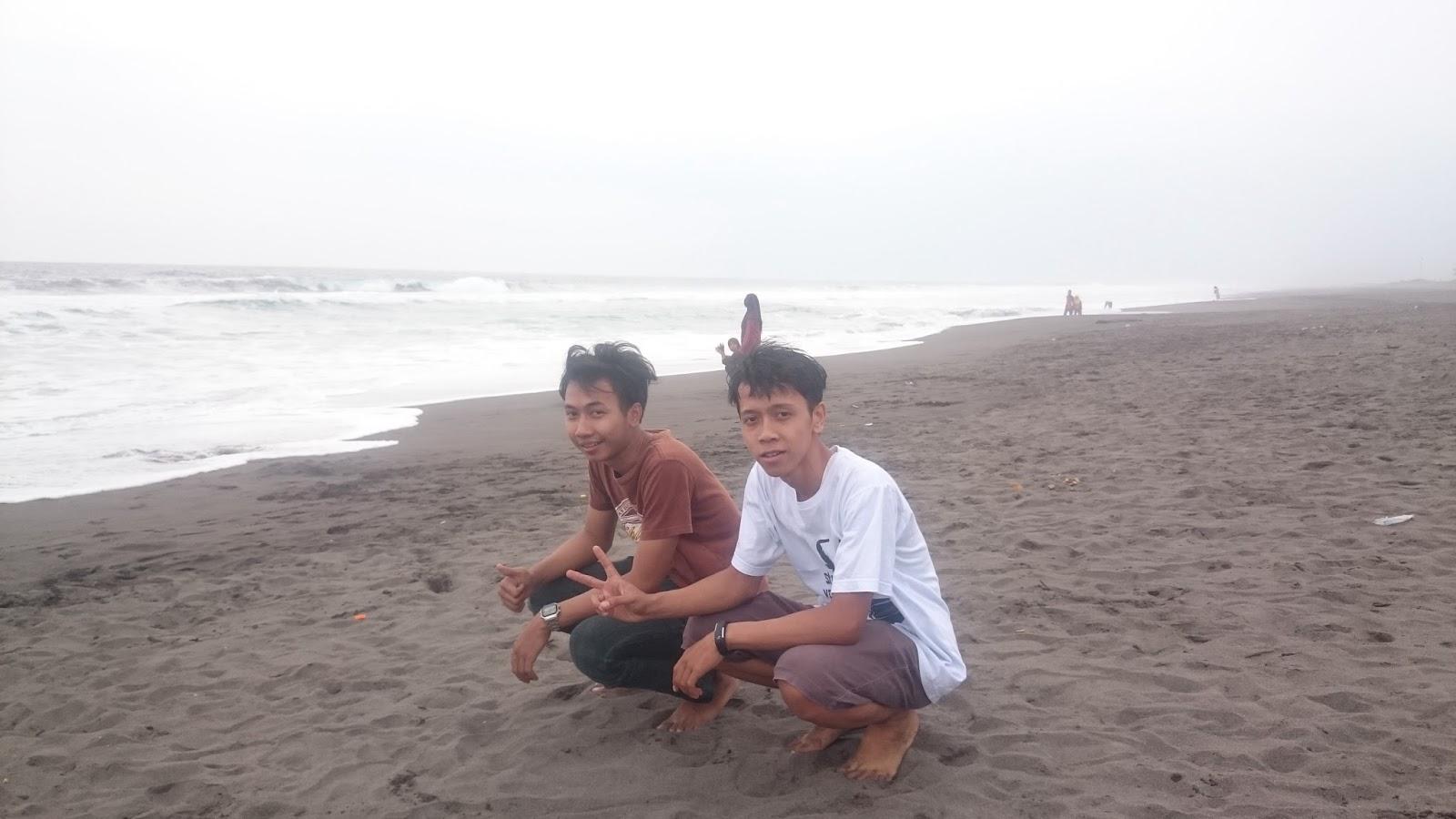 Wisata Alam Pantai Lembupurwo Terletak Desa Kecamatan Mirit Kabupaten Kebumen