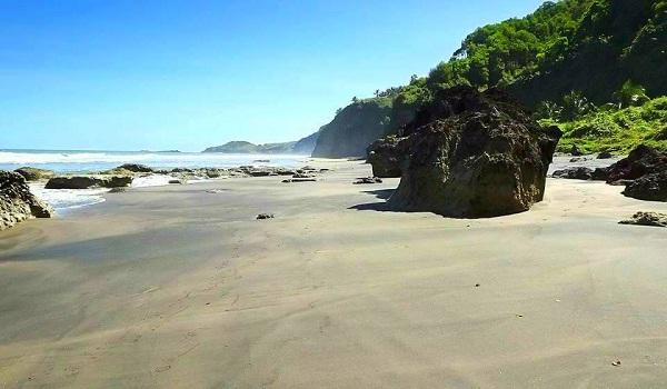 Pantai Surumanis Kebumen Manisnya Pesona Asli Petanahan Kab