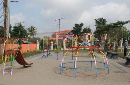 Destinasi Wisata Taman Kota Jendral Hm Sarbini Kebumen Jawa Tengah
