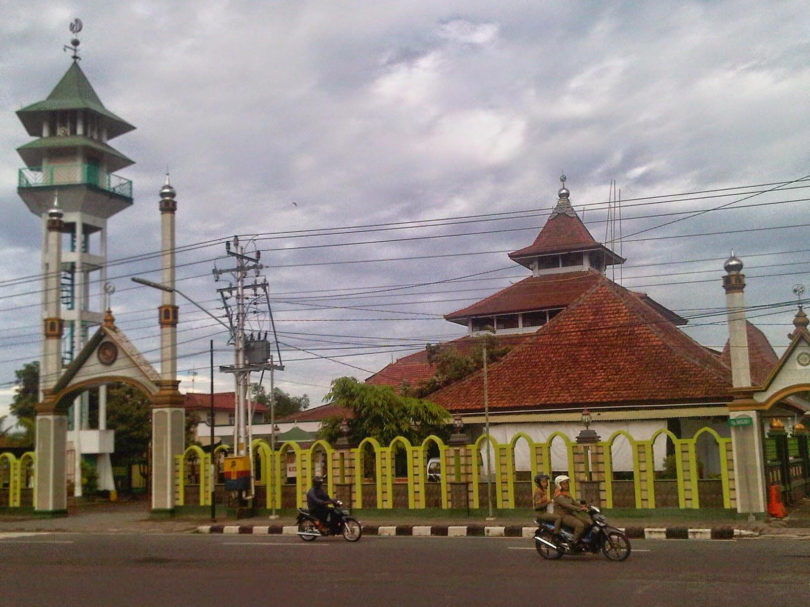 Places Kebumen Indonesia Masjid Agung Taman Kota Jenderal Hm Sarbini