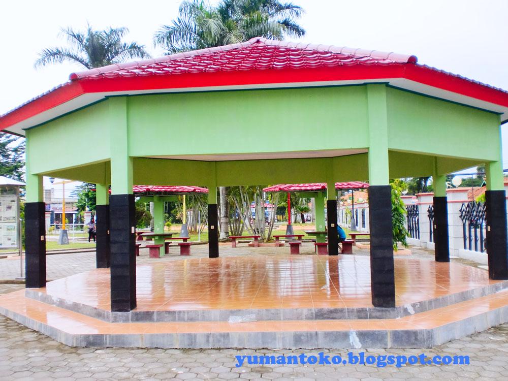 Taman Kota Kebumen Hm Sarbini Patung Jenderal Kab