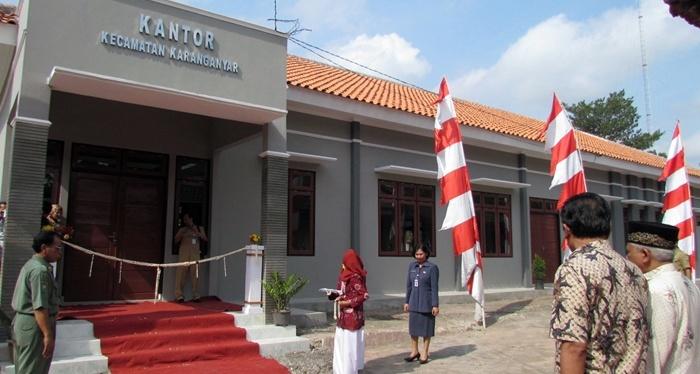 September 2014 Lintas Kebumen Page 2 Kantor Kecamatan Karanganyar Photo