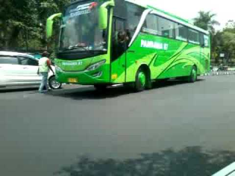 Klakson Telolet Bus Pandawa 87 Berangkat Alun Kediri Youtube Kab