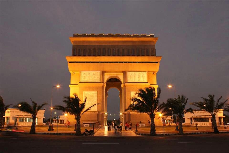 Monumen Simpang Lima Gumul Kediri Jawa Timur Indonesia Pinterest Southeast