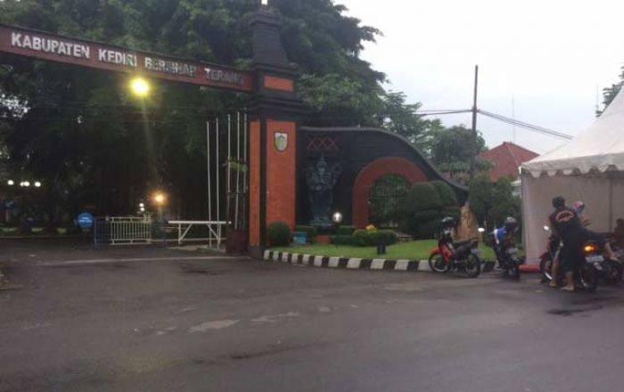 Pemkab Kediri Protes Pemkot Terkait Penutupan Jalan Alun Festival Kab