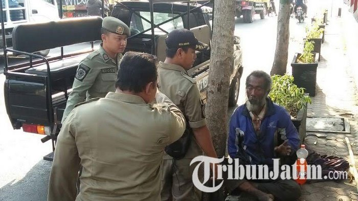 Pria Renta Terlantar Alun Kota Kediri Diamankan Satpol Pp Kab