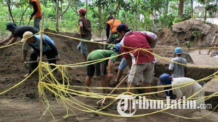 Arca Temuan Situs Adan Kediri Ditimbun Tribunjatim Totok Kerot Kab