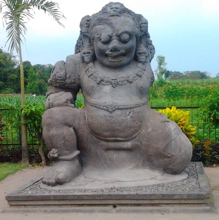 Arca Totok Kerot Sri Aji Jayabaya Oleh Sukamto Kompasiana Bentuk